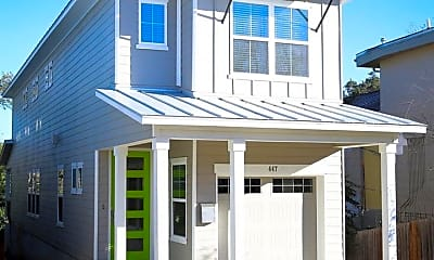 Building, 447 Natalen Ave, 1