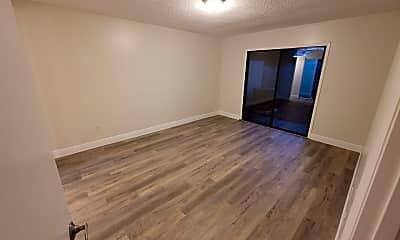 Living Room, 2333 Antilles Dr, 2