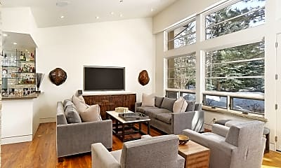 Living Room, 59 Maroon Dr, 1