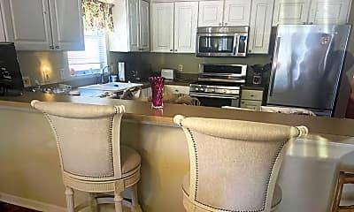 Kitchen, 970 Ehrhardt Place, 1