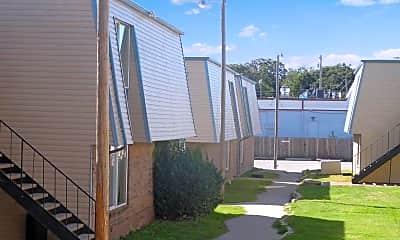 Oak Leaf Garden Apartments, 0