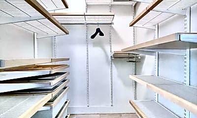 Patio / Deck, 333 W 56th St, 2