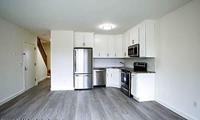 Kitchen, 297 Cromwell Ave 2, 1