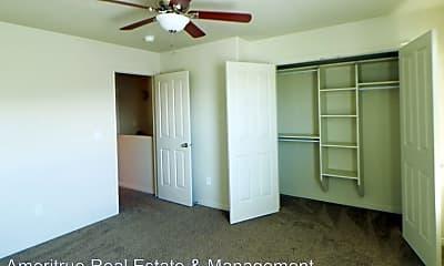 Bedroom, 296 1260 W, 2