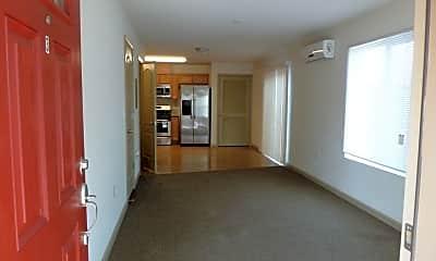 Building, 5956 Woodland Dr, 1