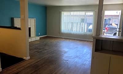 Living Room, 832 Eucalyptus Ave, 1