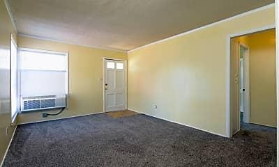 Living Room, 918 S Hiram St, 1