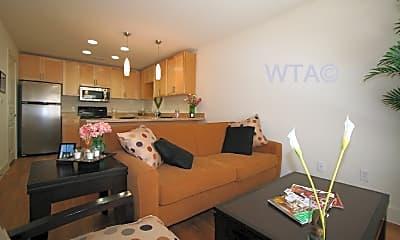 Living Room, 711 W 32Nd St, 1