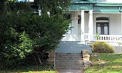 Building, 335 N Potomac St 1, 0