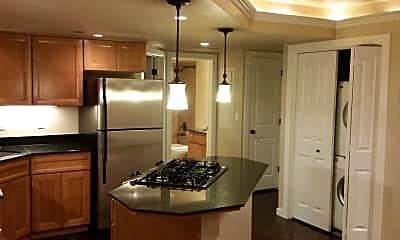 Jondon Apartments, 1