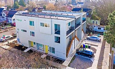 Building, 4493 NE Rodney Ave, 2