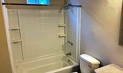 Bathroom, 2321 Gravier St, 1