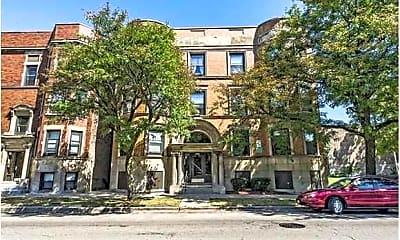 Building, 5051 S Forrestville Ave, 1