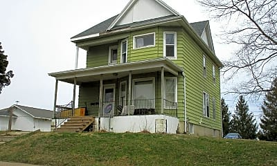 Building, 226 Leland Ave, 2