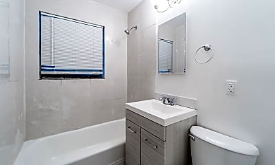 Bathroom, 1424 SW 5th Ct, 2