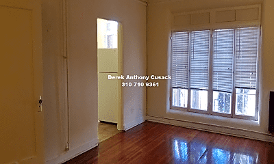 Bedroom, 665 S Cochran Ave, 2