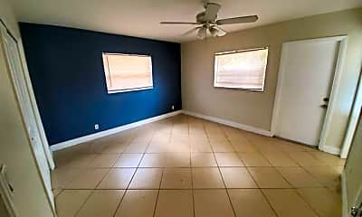Living Room, 504 SE 13th Dr, 1