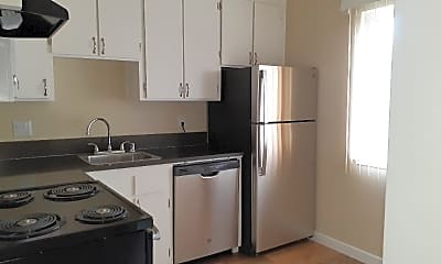 Kitchen, 1405 Phelps Ave, 0