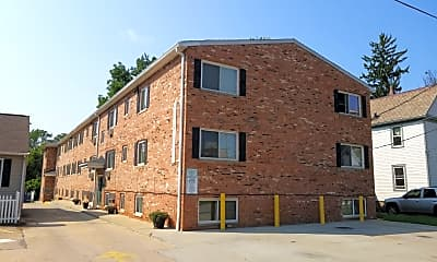 Riverside Court Apartments, 0