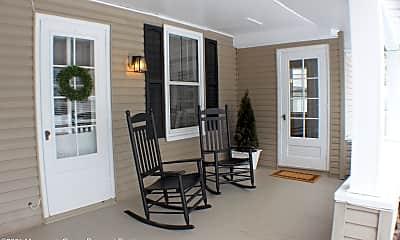 Patio / Deck, 71 White St B, 2