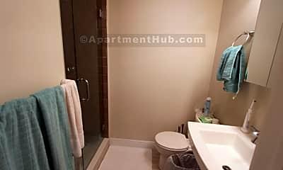 Bathroom, 171 Walnut St, 2