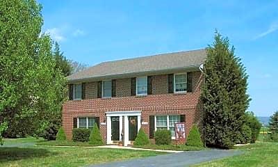 Lyles Farms Apartments, 2
