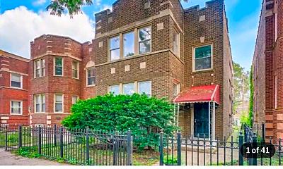 Building, 8045 S Ellis Ave, 0