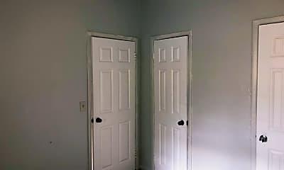 Bedroom, 320 NE 13th Ave 6, 2