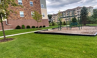 Forest Oaks Apartments, 2
