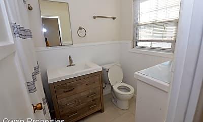 Bathroom, 717 8th St, 2
