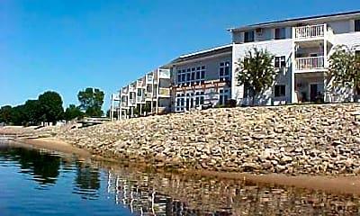 Rivers Edge Apartments, 0