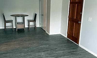 Living Room, 706 Ashlawn Pl, 0