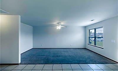 Living Room, 313 E Marietta Ct, 1
