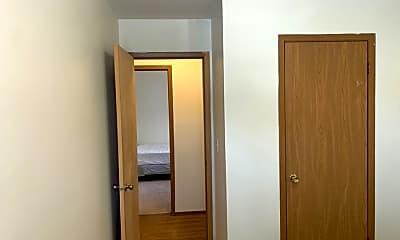 Bedroom, 98 W Willow St, 2