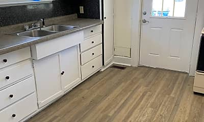 Kitchen, 660 Oak St, 1