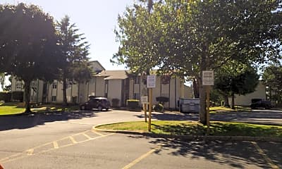 Lincoln Woods Apts, 2