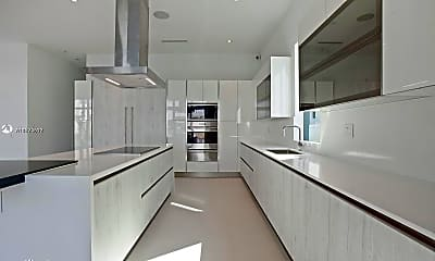 Kitchen, 6810 NW 105th Ave, 1
