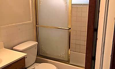 Bathroom, 3543 SW 15th Ct, 2