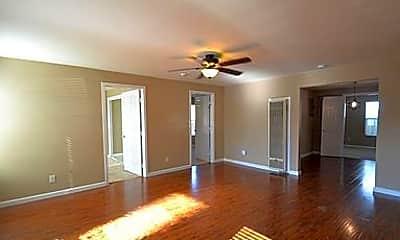 Living Room, 732 N Washington Pl, 2