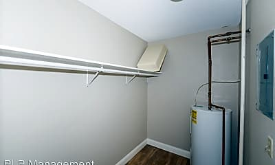 Bathroom, 750 N 43rd St, 2