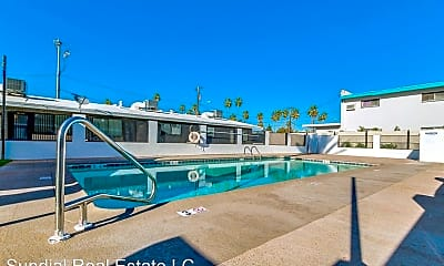 Pool, 1116 E Lemon St, 2