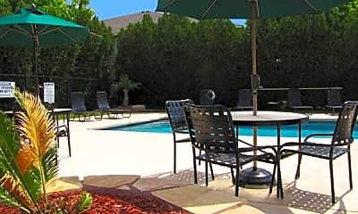 Encino Park Apartments, 2