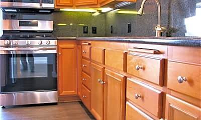 Kitchen, 336 S Keystone St, 1