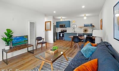 Living Room, 15432 Gault St., 0