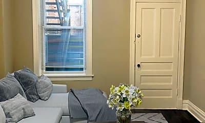 Living Room, 1810 N Paulina St, 1