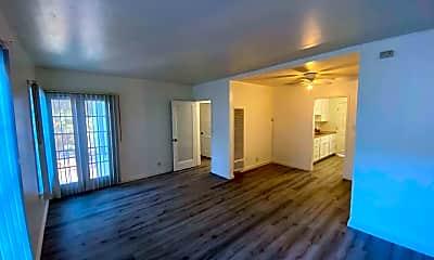 Living Room, 4269 1/2 Degnan Blvd, 0