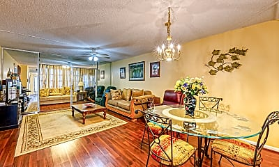 Living Room, 7837 Golf Cir Dr 102, 0