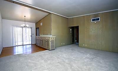Living Room, 1638 E 7th St, 1