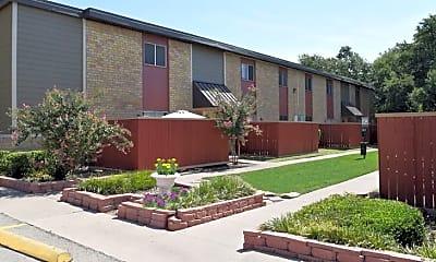 Courtyard, Gemini Village Apartments, 0