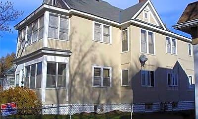 Building, 1162 Edgerton St, 2